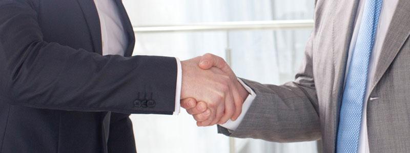 パートナー弁護士・司法書士・社労士との連携で業務フローをワンストップ化